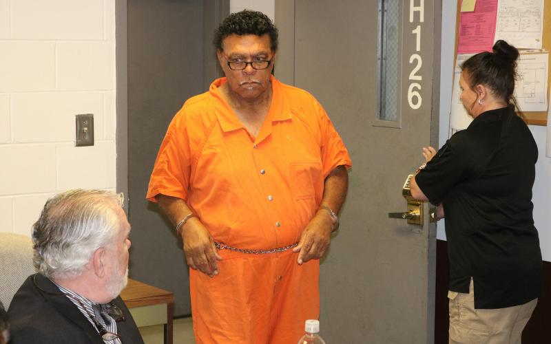 R.C. Oglesby enters the courtroom at the Hart County jail for a bond hearing on Friday.